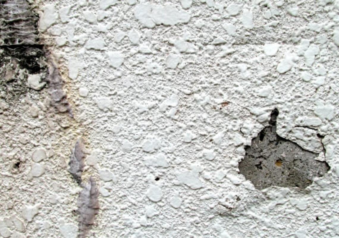 外壁塗装が剥がれた!剥がれてしまう原因と補修方法