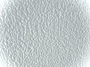 外壁の吹き付け塗装とは?メリット・デメリット、ローラー工法との違い